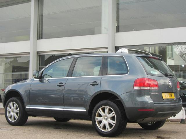used volkswagen touareg 2005 model 2 5 tdi se sport diesel. Black Bedroom Furniture Sets. Home Design Ideas