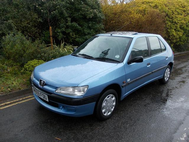 used peugeot 306 car 2000 blue petrol 1 4 miami 5 door hatchback for sale in keynsham uk autopazar. Black Bedroom Furniture Sets. Home Design Ideas