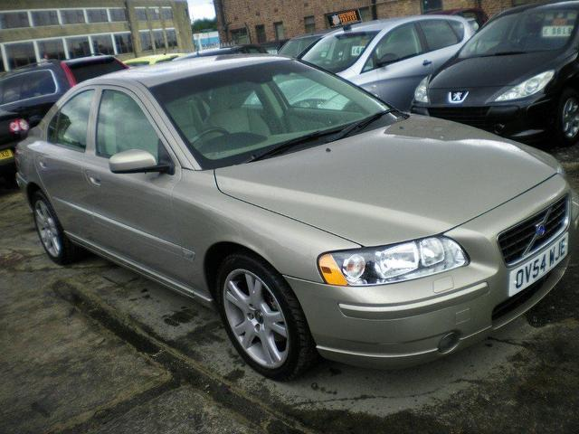 used volvo s60 2004 diesel 2 4 d5 se 4dr saloon gold automatic for sale in wembley uk   autopazar