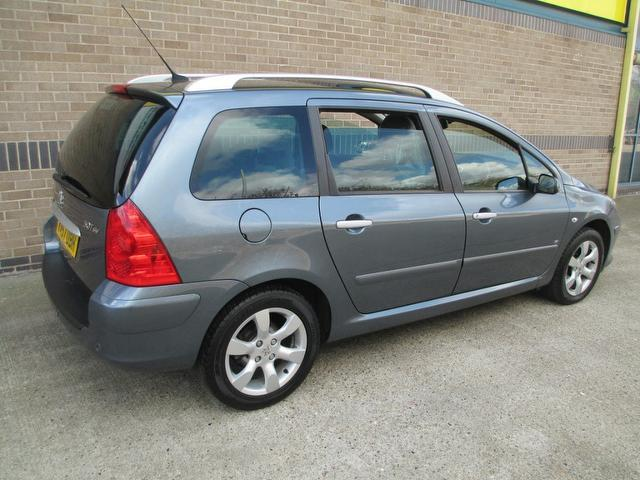 used grey peugeot 307 2007 diesel 1 6 hdi 90 se estate in. Black Bedroom Furniture Sets. Home Design Ideas