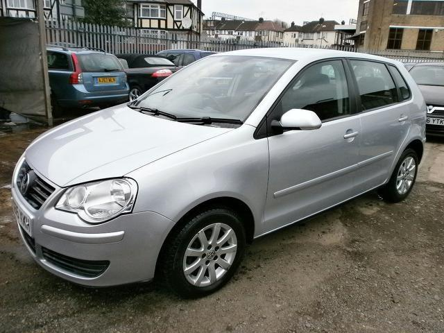 used volkswagen polo 2005 diesel 1 4 se tdi 80 hatchback silver edition for sale in wembley uk. Black Bedroom Furniture Sets. Home Design Ideas