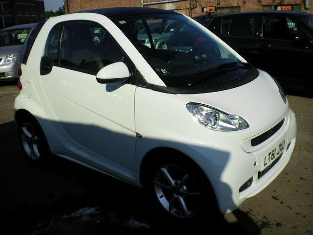 used smart fortwo 2011 petrol pulse mhd 2dr softouch coupe. Black Bedroom Furniture Sets. Home Design Ideas