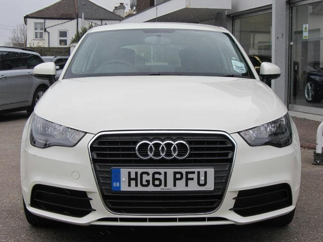 used audi a1 2011 diesel 1 6 tdi se 3dr hatchback white with electric mirrors for sale autopazar. Black Bedroom Furniture Sets. Home Design Ideas