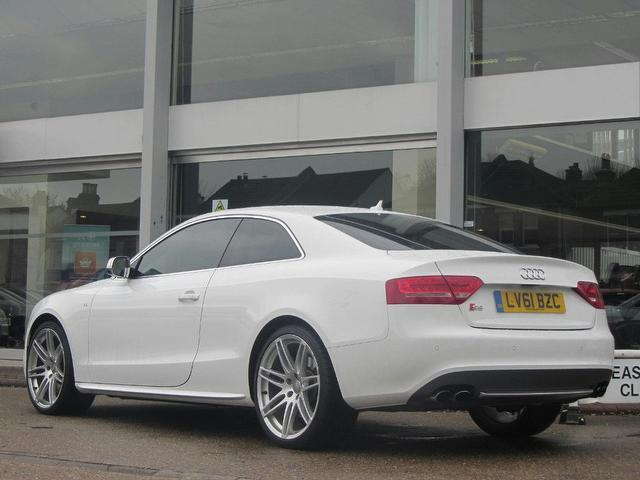used audi s5 2011 petrol quattro 2dr tip coupe white with radio cd player for sale autopazar. Black Bedroom Furniture Sets. Home Design Ideas
