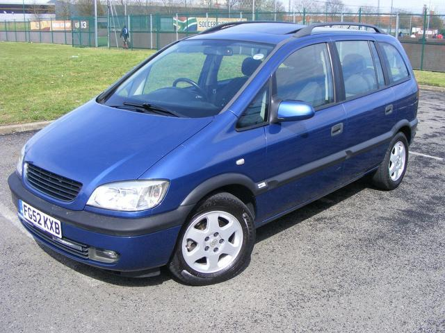 used vauxhall zafira car 2002 blue diesel 2 0 dti elegance 5 door estate for sale in wembley uk. Black Bedroom Furniture Sets. Home Design Ideas