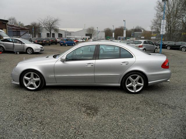 Used mercedes benz 2009 diesel class e320 cdi sport saloon for Mercedes benz uk used