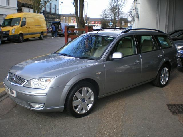 used ford mondeo 2006 petrol 2 0 ghia x 5dr estate silver edition for sale in gravesend uk. Black Bedroom Furniture Sets. Home Design Ideas
