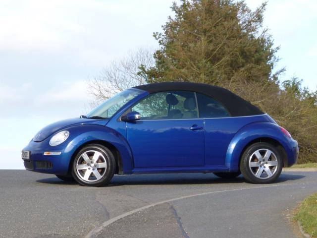 used volkswagen beetle 2010 petrol 1 6 luna 2dr convertible blue edition for sale in turrif uk. Black Bedroom Furniture Sets. Home Design Ideas