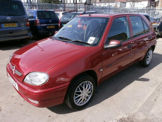 used citroen saxo 2001 red colour diesel desire 5 door hatchback for sale in wembley uk. Black Bedroom Furniture Sets. Home Design Ideas