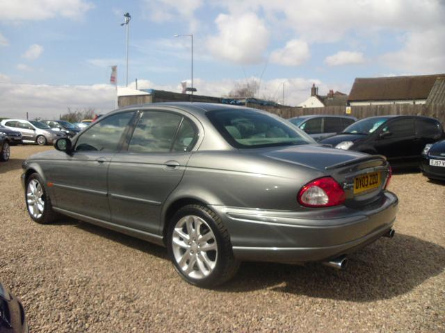 used jaguar x type 2003 petrol 2 5 v6 sport 4dr saloon. Black Bedroom Furniture Sets. Home Design Ideas