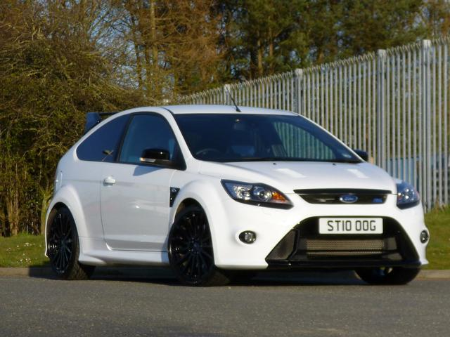 used ford focus 2010 white colour petrol 2 5 rs 3 door hatchback for sale in turrif uk autopazar. Black Bedroom Furniture Sets. Home Design Ideas