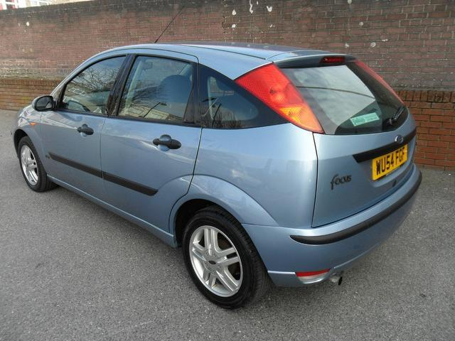used ford focus 2004 model 1 6 zetec 5dr petrol hatchback. Black Bedroom Furniture Sets. Home Design Ideas