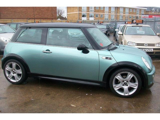used mini cooper 2002 petrol s 1 6 inspired by hatchback green manual for sale in ashford uk. Black Bedroom Furniture Sets. Home Design Ideas