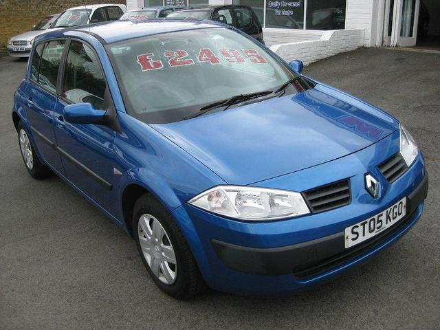used renault megane 2005 petrol 1 4 rush 5dr hatchback blue manual for sale in sittingbourne uk. Black Bedroom Furniture Sets. Home Design Ideas