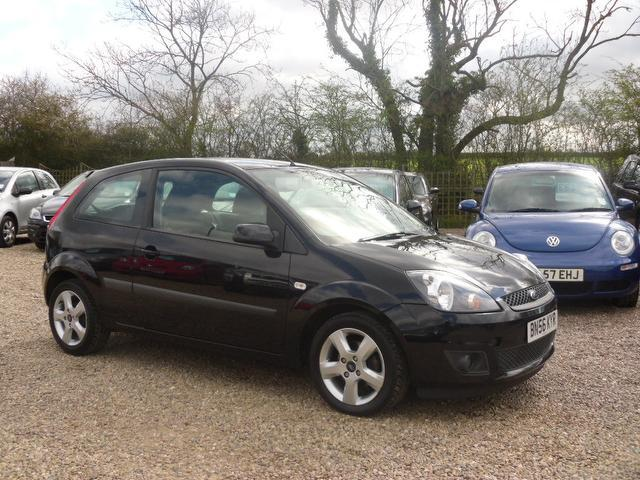 used ford fiesta 2006 black paint petrol freedom 3dr 6 hatchback for sale in nuneaton uk. Black Bedroom Furniture Sets. Home Design Ideas