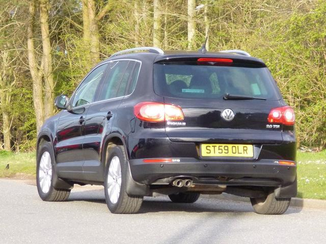 used volkswagen tiguan 2009 black colour diesel 2 0 tdi se. Black Bedroom Furniture Sets. Home Design Ideas