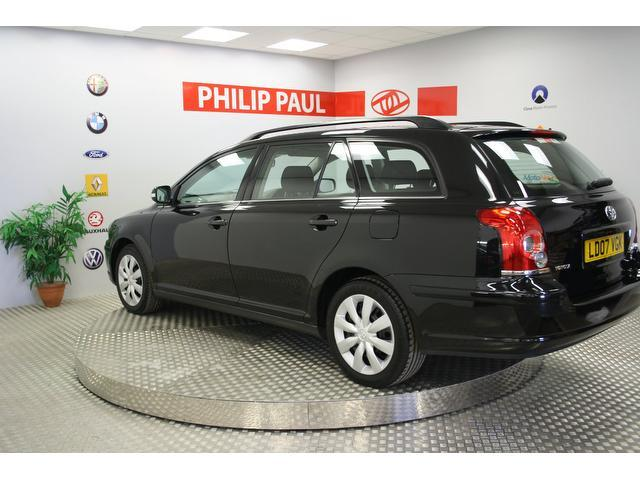 Used Toyota Avensis 2.0 D-4d T2 5 Door Estate Black 2007 Diesel for Sale in UK