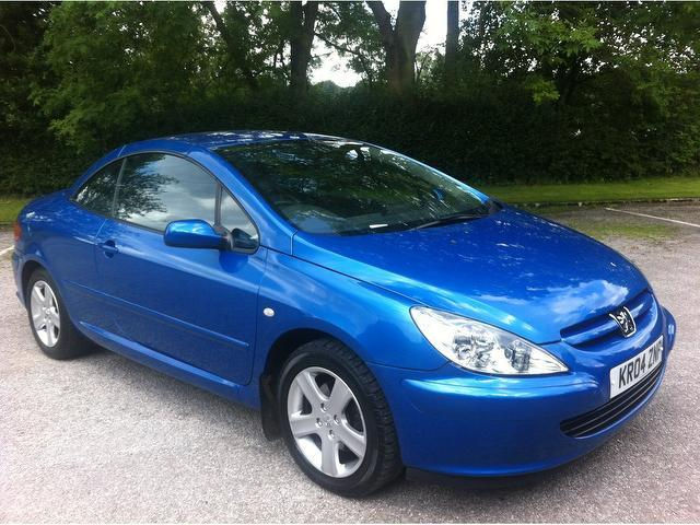 used peugeot 307 2004 model 2 0 2dr petrol convertible blue for sale in stoke on trent uk. Black Bedroom Furniture Sets. Home Design Ideas