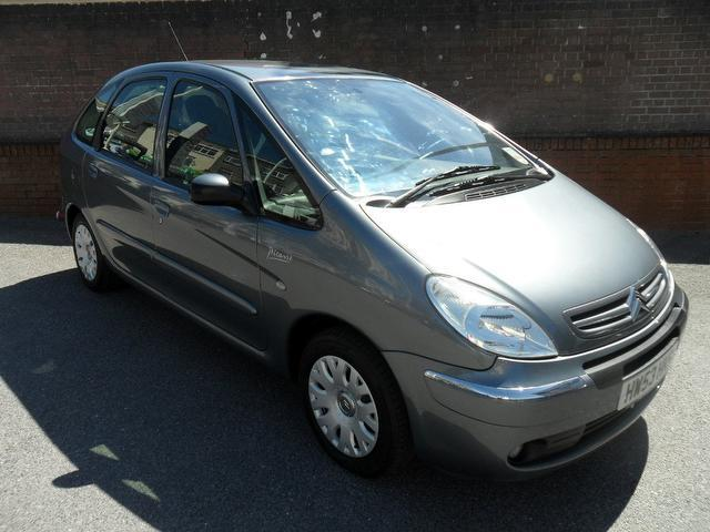 used grey citroen xsara 2004 petrol picasso 16v. Black Bedroom Furniture Sets. Home Design Ideas