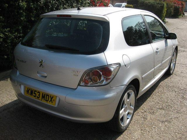 used peugeot 307 2004 diesel 2 0 hdi 110 d hatchback silver manual for sale in sittingbourne uk. Black Bedroom Furniture Sets. Home Design Ideas