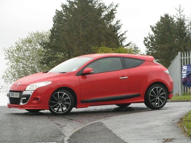 used renault megane 2011 diesel 1 5 dci 110 dynamique coupe red manual for sale in turrif uk. Black Bedroom Furniture Sets. Home Design Ideas
