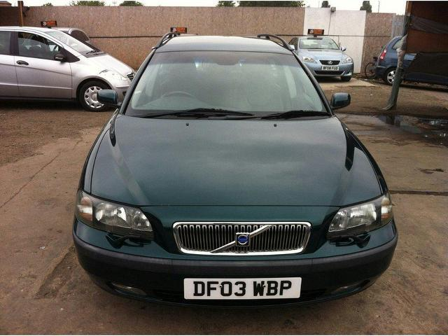used volvo v70 2003 diesel 2 4 d5 se 5dr estate green. Black Bedroom Furniture Sets. Home Design Ideas