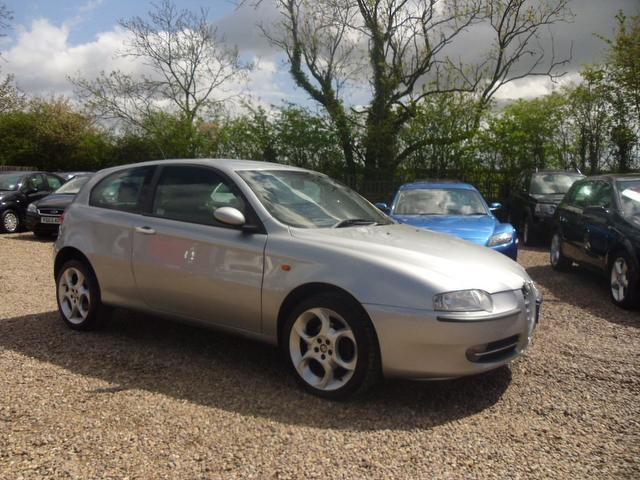 Used Alfa Romeo 147 2005 Manual Diesel 1 9 Jtd 16v Silver For Sale Uk