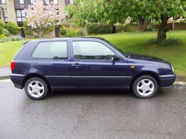 Used Volkswagen Golf 1.9 Cl Tdi 3 Door Hatchback Blue 2001 Diesel for Sale in UK