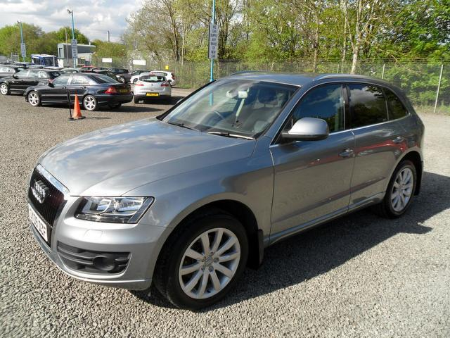 used audi q5 2009 grey colour diesel 3 0 tdi quattro se 4x4 for sale in inveralmond place uk. Black Bedroom Furniture Sets. Home Design Ideas