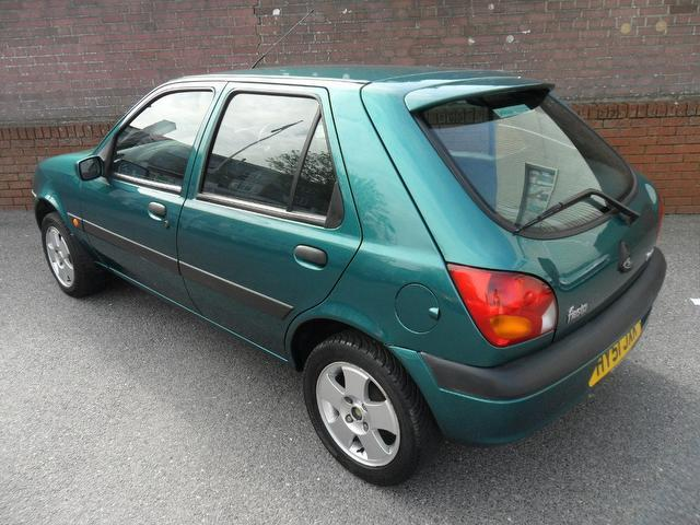 Used Ford Fiesta 2002 Green Colour Petrol 1 25 Freestyle 3