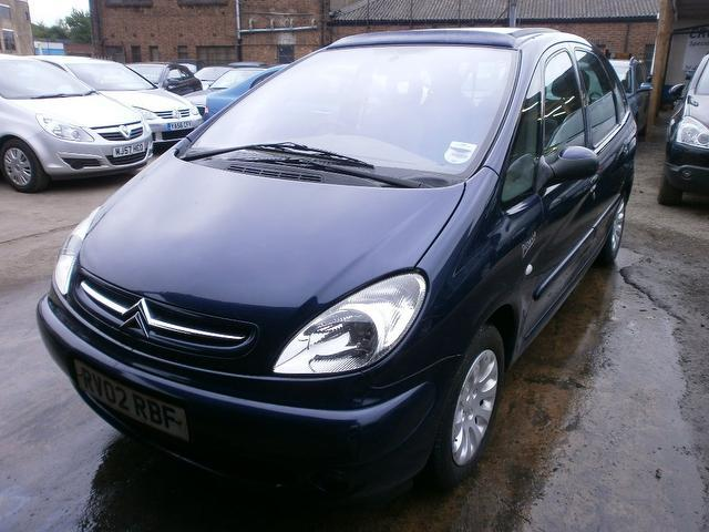 used citroen xsara 2002 blue colour diesel picasso 2 0 hdi exclusive estate for sale in wembley. Black Bedroom Furniture Sets. Home Design Ideas