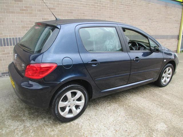 used 2006 peugeot 307 hatchback blue edition 1 6 hdi 90 s. Black Bedroom Furniture Sets. Home Design Ideas