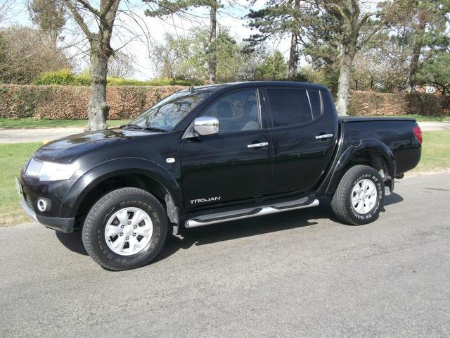 used mitsubishi l200 2010 manual diesel trojan double cab 4x4 black for sale uk autopazar. Black Bedroom Furniture Sets. Home Design Ideas