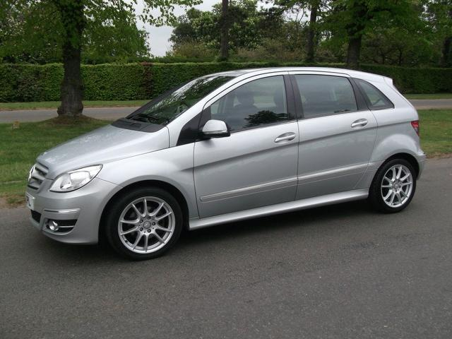 Used 2009 mercedes benz hatchback silver edition class for Used mercedes benz a class for sale