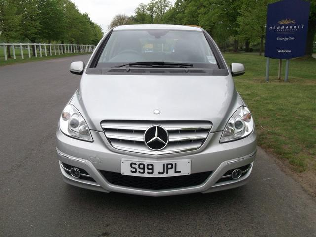 used 2009 mercedes benz hatchback silver edition class b180 cdi sport diesel for sale in. Black Bedroom Furniture Sets. Home Design Ideas