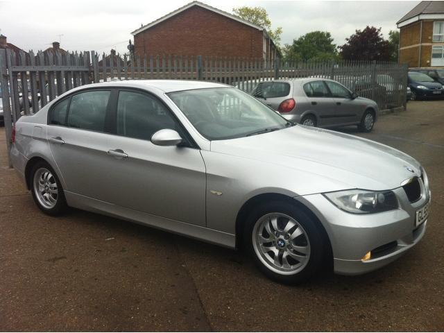 Clean BMW 320i 2006 Model, up for sale at 700k