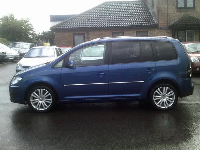 used volkswagen touran 2007 manual diesel 2 0 tdi pd sport blue for sale uk autopazar. Black Bedroom Furniture Sets. Home Design Ideas