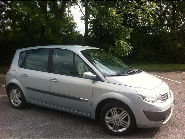 used renault megane 2004 model scenic 1 6 vvt privilege petrol estate silver for sale in stoke. Black Bedroom Furniture Sets. Home Design Ideas