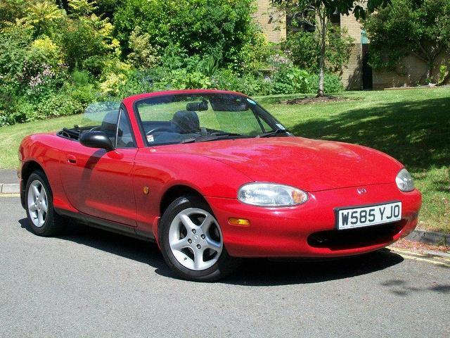 used mazda mx 5 2000 petrol 2dr convertible red manual for sale. Black Bedroom Furniture Sets. Home Design Ideas