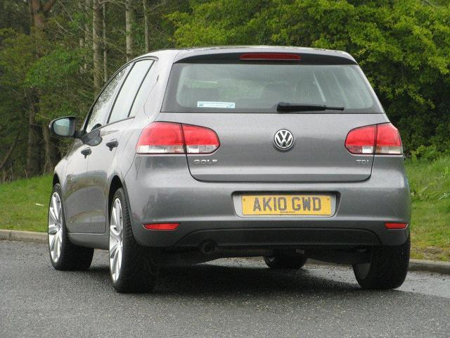 used volkswagen golf 2010 diesel 1 6 tdi 105 s hatchback. Black Bedroom Furniture Sets. Home Design Ideas