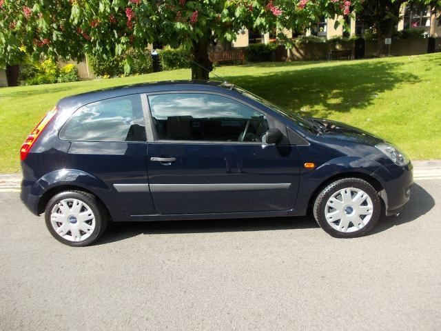 used ford fiesta 2006 blue colour petrol style 3 door hatchback for sale in keynsham uk. Black Bedroom Furniture Sets. Home Design Ideas