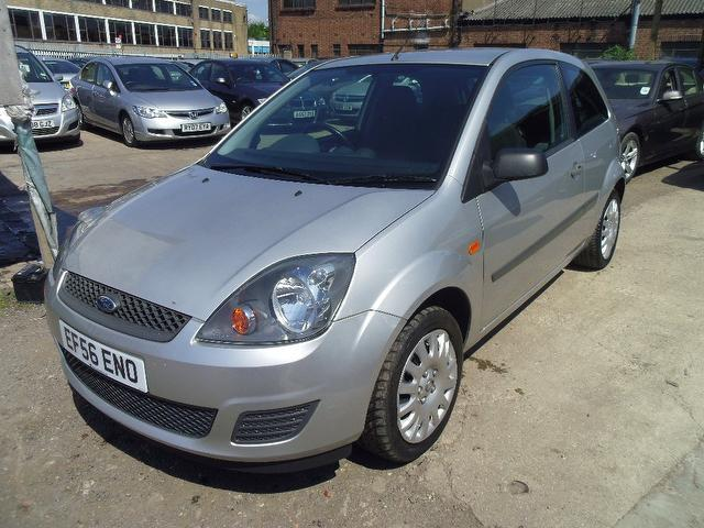 used silver ford fiesta 2006 petrol style 3dr climate hatchback excellent condition for. Black Bedroom Furniture Sets. Home Design Ideas