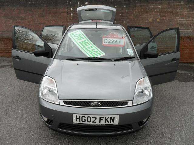 used 2002 ford fiesta hatchback 1 4 ghia 5dr petrol for. Black Bedroom Furniture Sets. Home Design Ideas