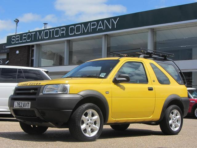 used land rover freelander 2003 yellow colour petrol 1 8. Black Bedroom Furniture Sets. Home Design Ideas