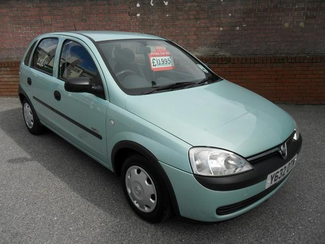 used 2001 vauxhall corsa hatchback 12v gls 5dr petrol. Black Bedroom Furniture Sets. Home Design Ideas