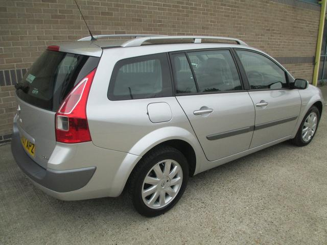 used renault megane car 2007 silver diesel 1 9 dci 130 dynamique estate for sale in norwich uk. Black Bedroom Furniture Sets. Home Design Ideas