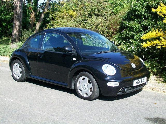 used volkswagen beetle 2001 petrol 2 0 3dr hatchback black manual for sale in keynsham uk. Black Bedroom Furniture Sets. Home Design Ideas