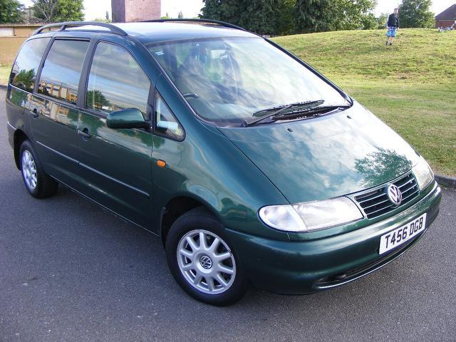 used green volkswagen sharan 2000 diesel 1 9 tdi 110 carat. Black Bedroom Furniture Sets. Home Design Ideas