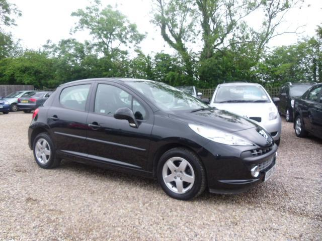 used 2008 peugeot 207 hatchback 1 4 vti sport 95 petrol. Black Bedroom Furniture Sets. Home Design Ideas