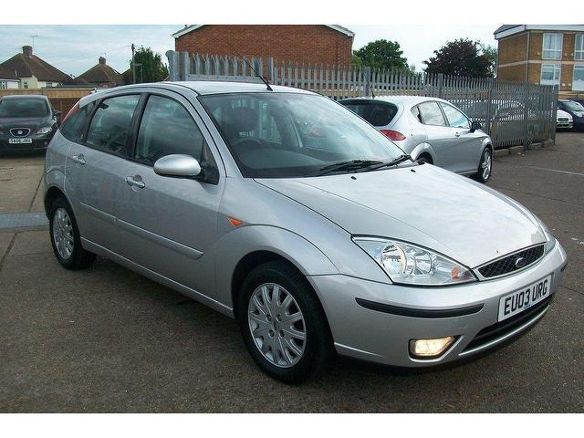 used ford focus 2003 petrol 1 6 ghia 5dr hatchback silver. Black Bedroom Furniture Sets. Home Design Ideas